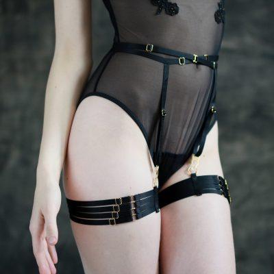 Bondage garter belts
