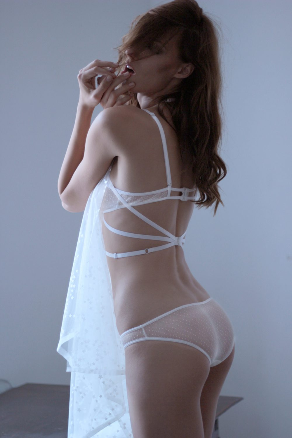 The Ruby Harness in White with Golden or White Sliders