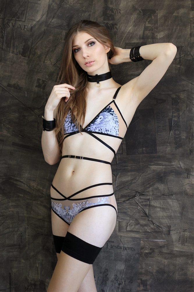 Nude mesh lingerie set with lion print