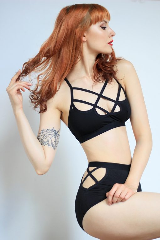 Sporty Bralette from Organic Jersey with Soft Bondage Straps